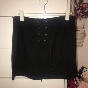 forever21 black suede mini skirt w/ tie-up detail